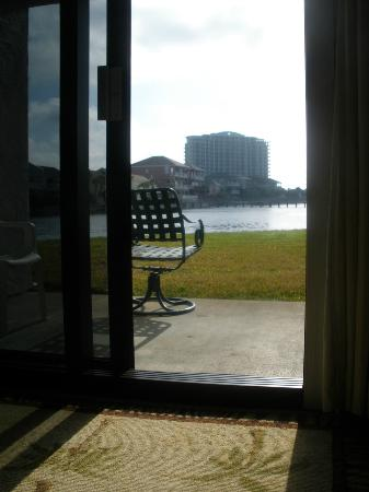 Shoreline Towers : View of beautiful lake that is on the grounds