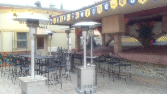 El Mariachi: Outdoor dining/bar area