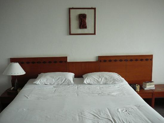 Royal Lanna Hotel: Clean bed