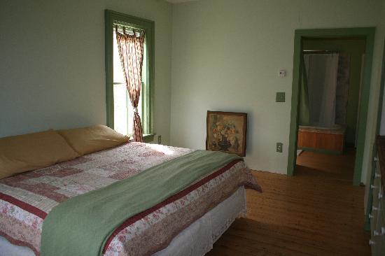 Black Creek Farmhouse Inn: the Gerald Henry Clough master suite