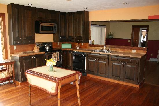 Black Creek Farmhouse Inn: the kitchen