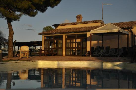 Agriturismo I Gretacci: spettacolare tramonto www.casacarlucci.it