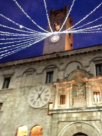 Caffè Meletti : Palazzo dei Capitani in Piazza del Popolo (Ascoli)