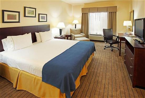 Holiday Inn Express & Suites Marshall: Our Standard King Room