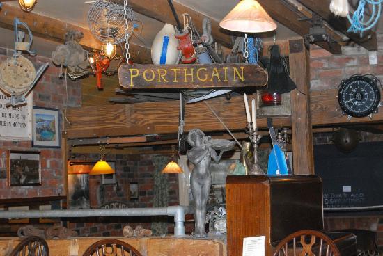 The Sloop Inn: view in restaurant