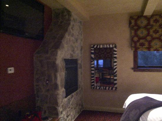 Border House at Crystal Bay: fireplace next to tv