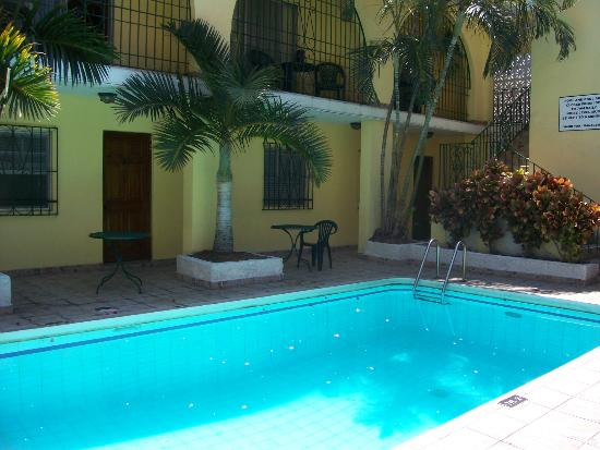El Greco Hotel: Courtyard & Pool