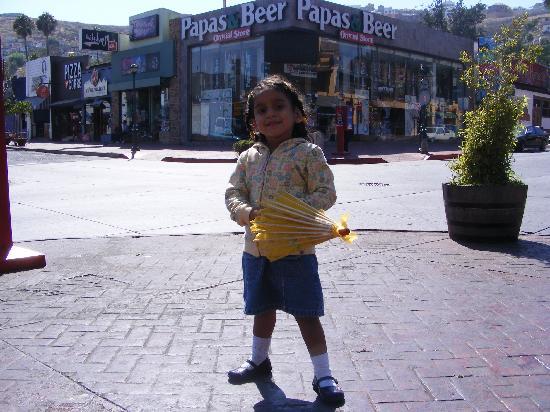 First Street: Mi nena en la calle Primera
