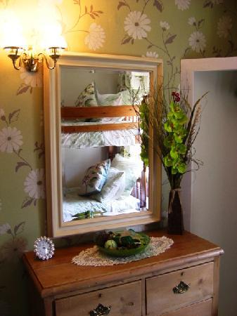 The Church Farm : bunkbed room