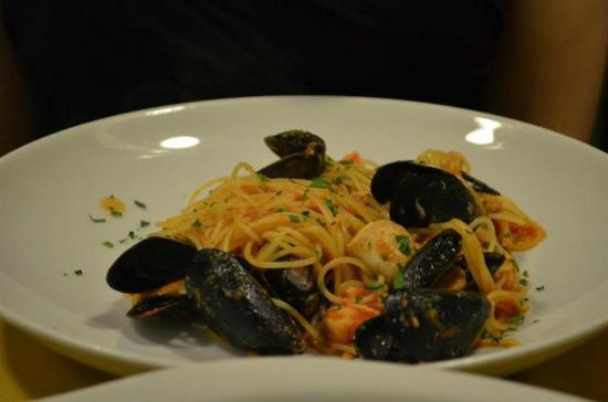 Cavatappi : Seafood pasta