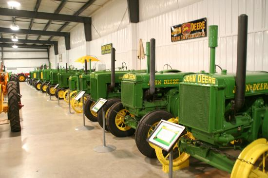 Westlock, Καναδάς: Some of the tractors in the museum