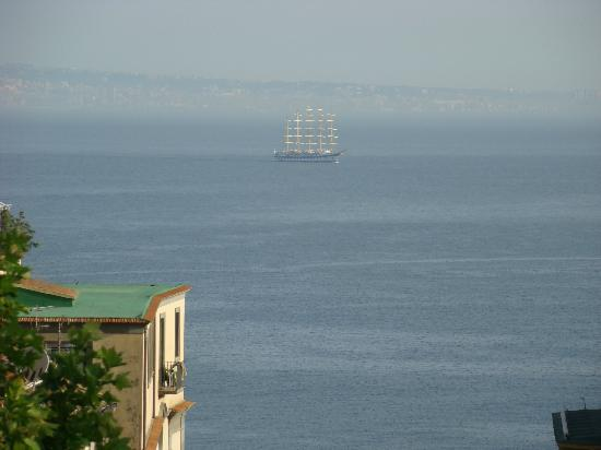 Hotel Villa Di Sorrento: View from Balcony to the Bay of Naples.