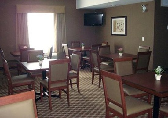 Comfort Inn & Suites Airdrie: Breakfast Bar Seating