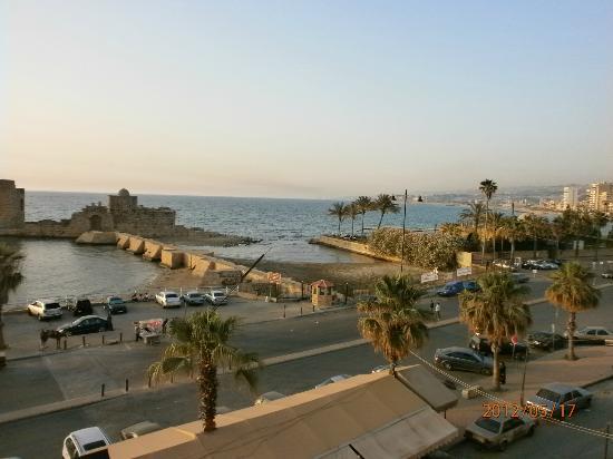 Al Qualaa Hotel : Restaurant on the Sea