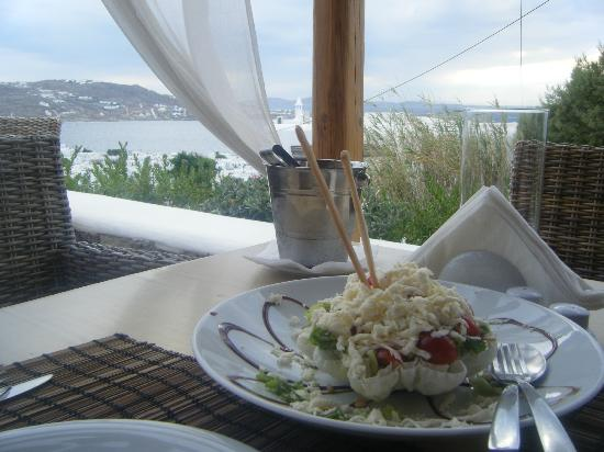 Karavaki Restaurant: a Starter