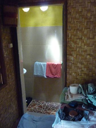 Alola Inn: to the bathroom