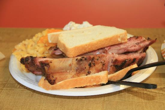 Pearl Country Store : Beef rib sandwich.  A little tug pulls the meat off the bone for you to pile on the bread.