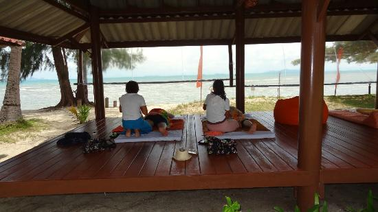 Viva Vacation Resort: Massage am Strand