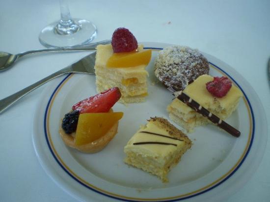 Iberostar Cancun : Yummy Dessert