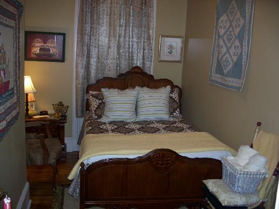 Bayberry House Bed and Breakfast: Rebecca's Room Double Bed