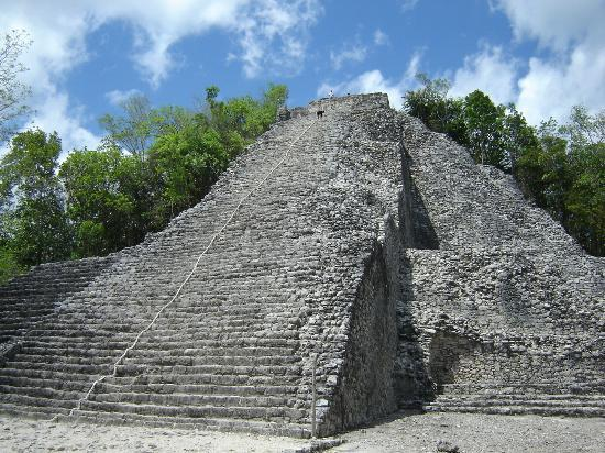 Coba, México: Piramide principal