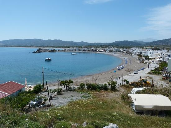 Ossiano Villas: The picturesque harbour and beach of Haraki