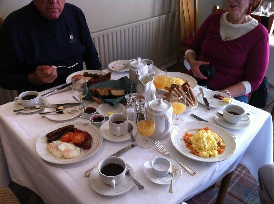 Sheedy's Country House Hotel: Full Irish Breakfast or scrambled eggs with locally smoked salma=on