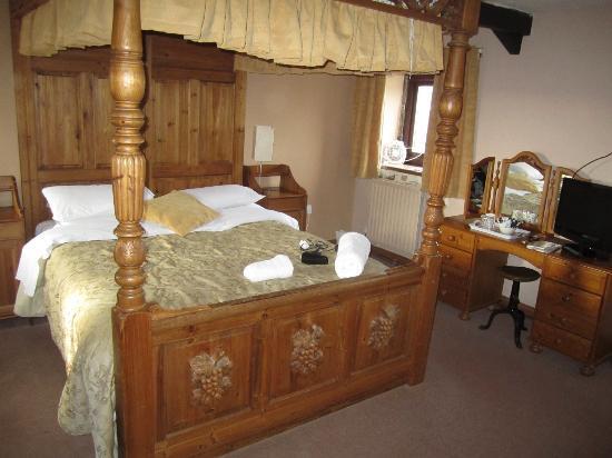 Saughy Rigg Farm: spacious room