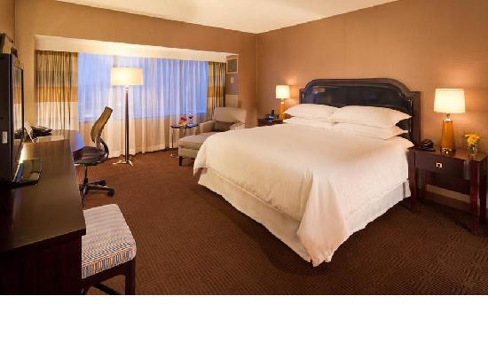 Sheraton Columbus at Capitol Square Hotel: Renovated guestrooms 2012