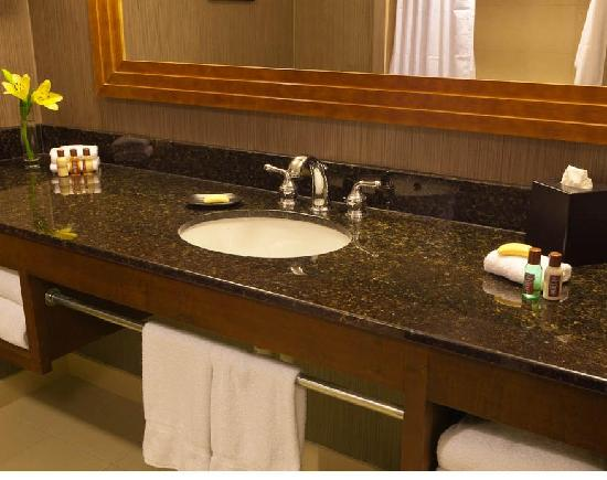 Sheraton Columbus at Capitol Square Hotel: New bathrooms in the guestrooms 2012