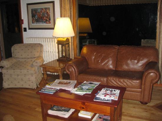 Cascade Lodge: Lodge Lobby