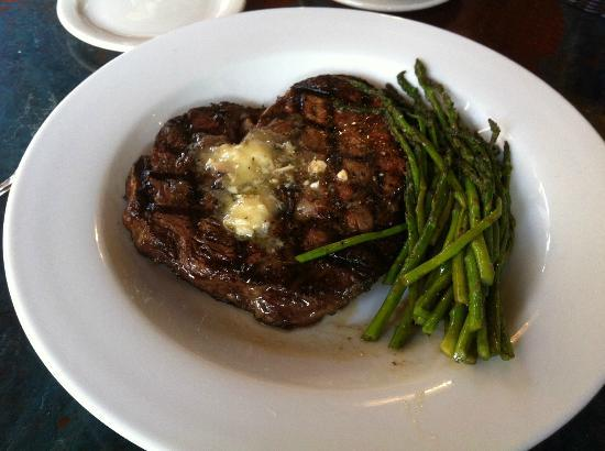 Christy Lee's Courtyard Grille: A perfect medium rare steak and young asparagus.