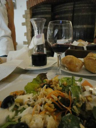 Alminhas Restaurant: Food and drink to die for.....totally delectable