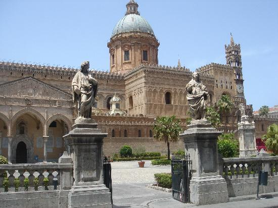 palermo italy city map with Locationphotodirectlink G187890 D195308 I41697458 Palazzo Dei Normanni E Cappella Palatina Palermo Province Of Palermo Sicil on Ausfuhrliche Karten together with Pisa Plan furthermore Turin Airport together with Venice Map corr as well Modena Map.