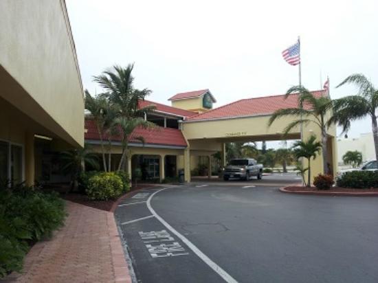 La Quinta Inn Cocoa Beach: Entrance