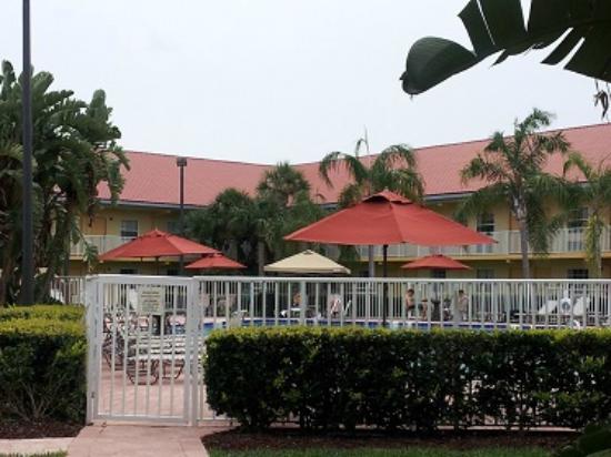 La Quinta Inn Cocoa Beach: Pool