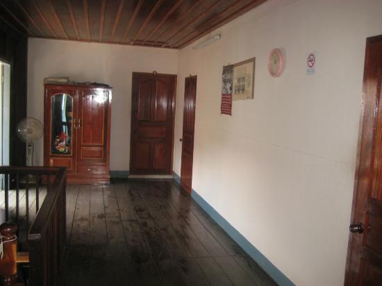 Choumkhong Guesthouse: Obergeschoss