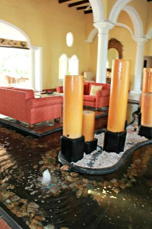 Casa Velas: sus velas en la entrada