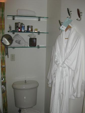 The Hotel of South Beach: Bathroom 1