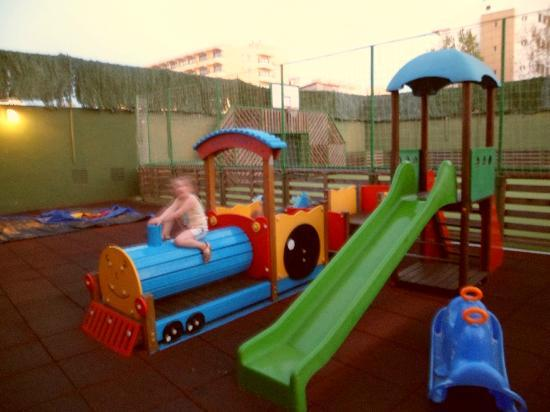 Viva Sunrise: Small play area