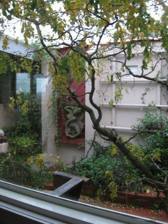 Zenergie: Courtyard