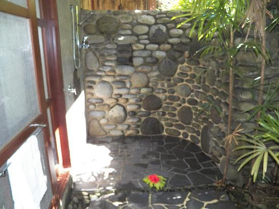 Qamea Resort And Spa Fiji Our Outdoor Rock Wall Shower
