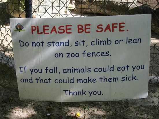 St. Maarten Zoo: Funny Sign