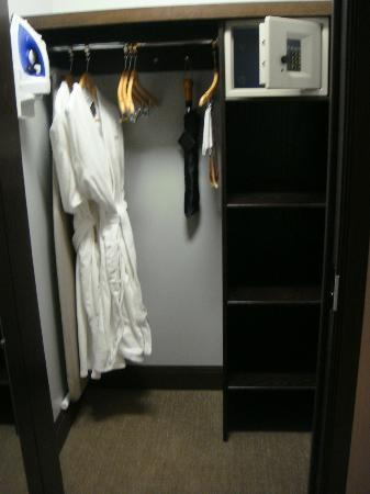 The Pearl Hotel: closet with robes and safe