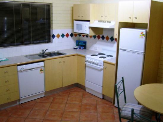 Harbour Side Resort: Kitchen