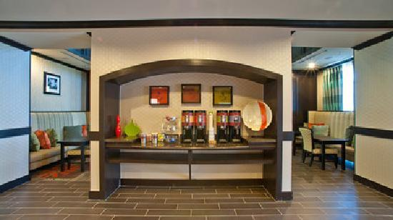 Hampton Inn & Suites by Hilton Denison: 24 Hour Coffee/Tea Station - Another Hampton Value!