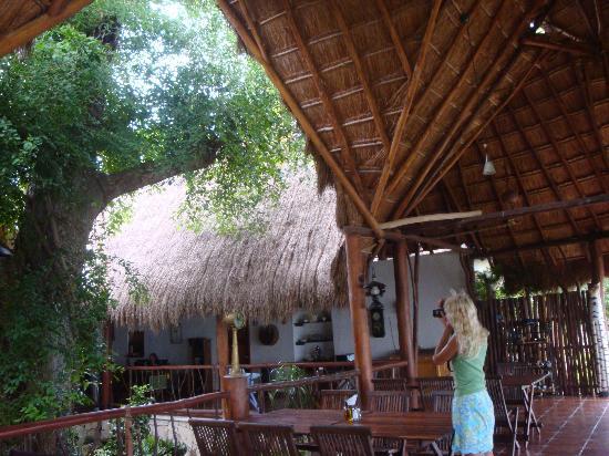 Los Aluxes Bacalar Restaurant: Restaraunt inside