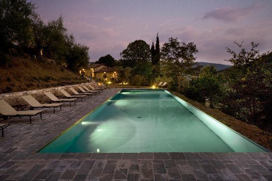 Slow Life Umbria - Relais de charme : pool 2