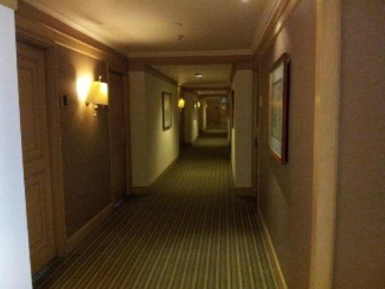 โรงแรมเลอ แกรนดัวร์ มางกา ดัว: Looby