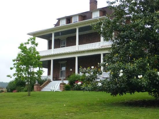 The Reynolds Mansion: Side view of Reynolds Mansion